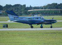 N13HB @ ORL - Cessna 421B