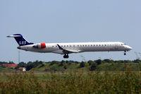 OY-KFL @ EKCH - OY-KFL landing rw 22R - by Erik Oxtorp