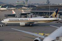 9V-SQJ @ VHHH - Singapore B772 push back for departure. - by FerryPNL