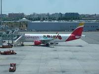 EC-LYE @ LEMD - Iberia Express - by Christian Maurer