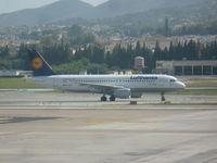 D-AIZE @ LEMG - Lufthansa A320 - by Christian Maurer