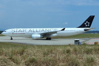 C-GHLM @ LSGG - Taxiing