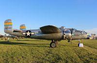 N27493 @ KOSH - North American B-25J