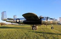 N5833B @ KOSH - North American B-25J