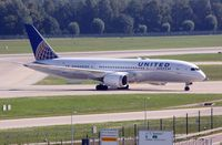 N26910 @ EDDM - United Airlines Boeing 787-8 Dreamliner