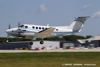 N91RW @ KOSH - Beech B300 Super King Air  C/N 40026/67-14510, N91RW