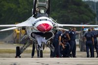UNKNOWN @ KYIP - Thunderbirds F-16 is being chacked after bird strike