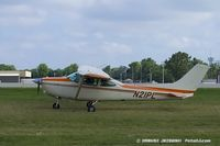 N21PL @ KOSH - Cessna R182 Skylane RG  C/N R18201983, N21PL
