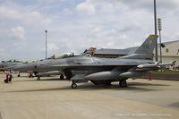 91-0372 @ KOSH - F-16CM Fighting Falcon 91-0372 SW from 79th FS Tigers 20th FW Shaw AFB, SC
