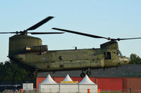 D-102 @ EHSE - Boeing chinook at seppe - by fink123
