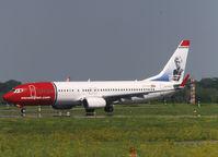 EI-FVT @ EDDL - Taxi to runway of Dusseldorf Airport - by Willem Göebel