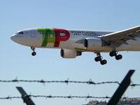 CS-TOE @ LPPT - Landing. Special schemme. - by Nuno Filipe Lé Freitas