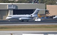 N149LP @ FLL - Global Express