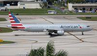 N169UW @ FLL - American - by Florida Metal