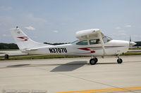 N3707U @ KDOV - Cessna 182G Skylane  C/N 18255107, N3707U