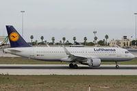 D-AIUV @ LMML - A320 D-AIUV Lufthansa - by Raymond Zammit