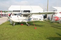 N194TH @ LAL - Cessna 172S