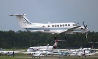 N199Y @ DAB - King Air 300