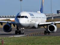 D-AIDB @ LPPT - Lufthansa LH1791 departure to Munich (MUC) - by JC Ravon - FRENCHSKY