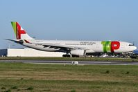 CS-TOX @ LPPT - TAP Air Portugal TP364 departure to London (LHR) - by JC Ravon - FRENCHSKY
