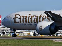 A6-ECM @ LPPT - EK192 take off to Dubai - by JC Ravon - FRENCHSKY