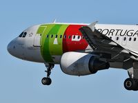 CS-TNV @ LPPT - Grao Vasco TAP Air Portugal 693 from Luxembourg (LUX) landing runway 03 - by JC Ravon - FRENCHSKY