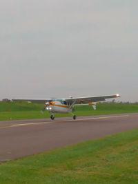 N1319L - Landing runway 8 Moraine Airpark - by Mac Ottlinger