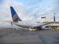 N13750 @ IAH - Boeing 737-724 - by Christian Maurer
