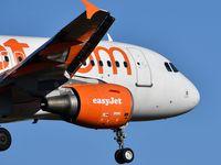 G-EZAM @ LFBD - U27637 from Lisbon (LIS) landing runway 11 - by JC Ravon - FRENCHSKY