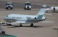 N330K @ DTW - Falcon 2000