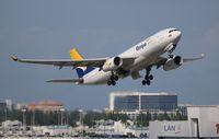 N330QT @ MIA - Tampa Cargo