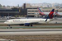 N372DA @ LAX - Delta