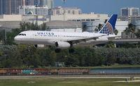N476UA @ FLL - United