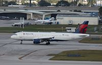 N358NW @ KFLL - Airbus A320