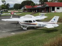 ZK-UAT @ NZAR - cool reggie on wing - by magnaman