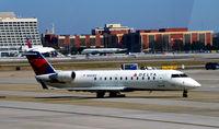 N921EV @ KATL - Taxi to gate Atlanta - by Ronald Barker