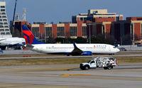 N3743H @ KATL - Taxi Atlanta - by Ronald Barker