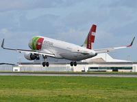 CS-TNQ @ LPPT - José Régio landing runway 03 - by JC Ravon - FRENCHSKY
