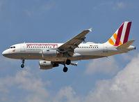 D-AKNN @ LEBL - Landing rwy 25R - by Shunn311