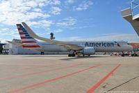 N346AN @ EDDL - Boeing 767-323ER - AA AAL American Airlines - 33085 - N346AN - 04.07.2016 - DUS - by Ralf Winter