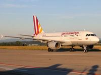 D-AKNL @ EDDS - D-AKNL at Stuttgart Airport. - by Heinispotter