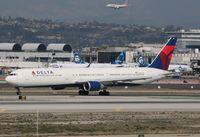 N826MH @ KLAX - Boeing 767-400ER - by Mark Pasqualino