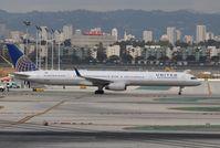 N56859 @ KLAX - Boeing 757-300
