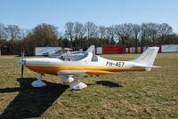 PH-4E7 @ EHHV - Dynamic at Hilversum airport