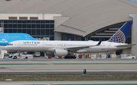 N17139 @ KLAX - Boeing 757-200