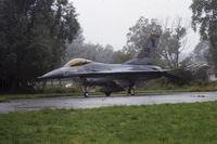 84-1309 @ EBFN - Koksijde airshow 1987 USAFE F-16C 84-1309 313 TFS Hahn AFB - by Guy Vandersteen