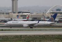 N518UA @ KLAX - Boeing 757-200