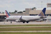 N639RW @ PBI - United Express