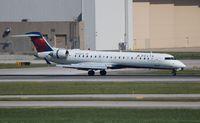 N655CA @ DTW - Delta Connection