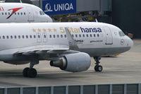 D-AIZX @ VIE - Lufthansa Airbus A320 (5Star) - by Thomas Ramgraber